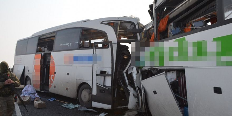 Iğdır'da iki otobüs kafa kafaya çarpıştı: 7 ölü, 16 yaralı