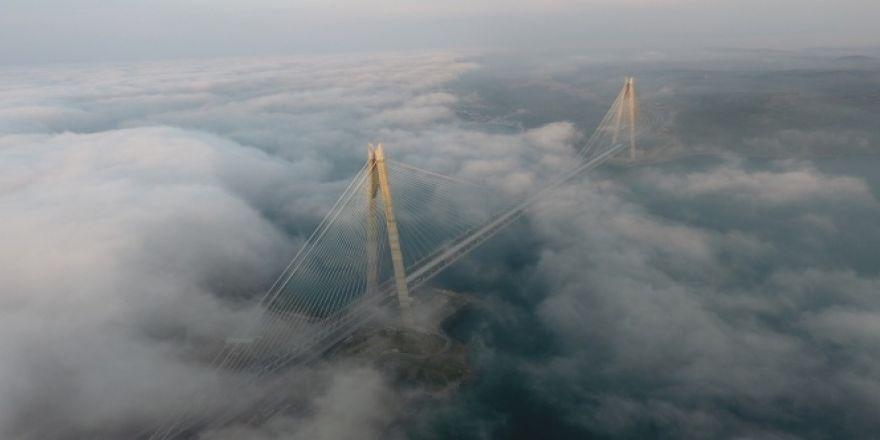 Yavuz Sultan Selim Köprüsü'ndeki muhteşem sis manzarası