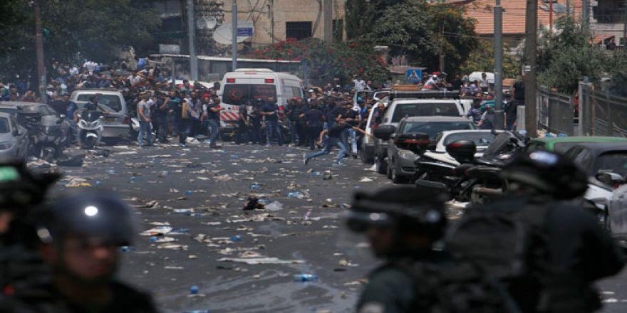 Terörist İsrail, Filistinlilere saldırdı!